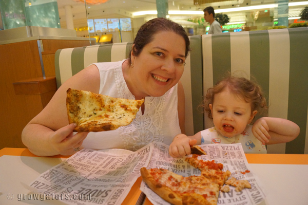 familydinner-sbarro-growgators